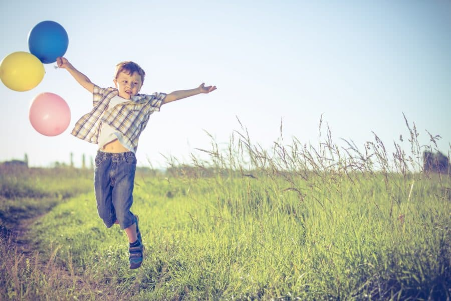 Copilul tău se plictisește în casă și vrea mereu afară? 3