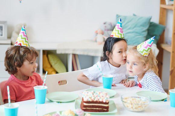 Read more about the article De ce pârăsc copiii și care e diferența între pâră și informare?
