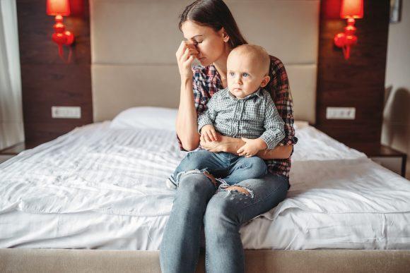 Read more about the article Atenție! Mamele care stau acasă pot suferi de depresie
