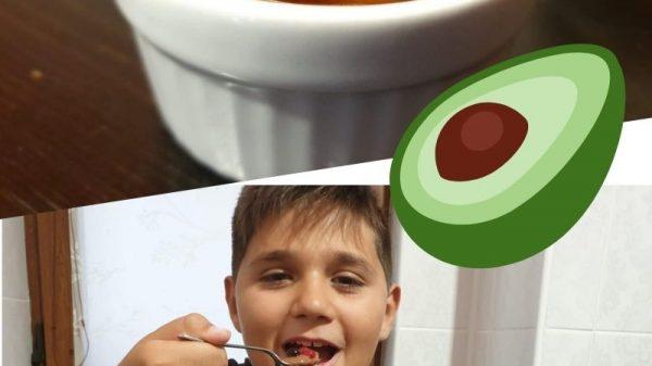 Alimente deghizate - Nutella de avocado 8