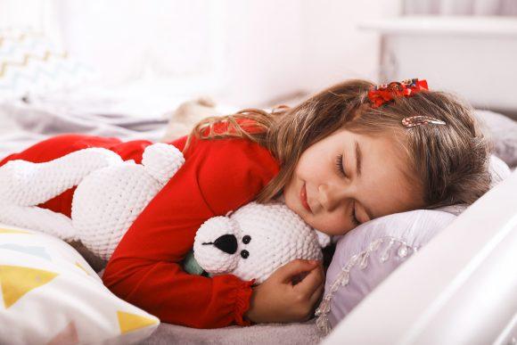 Read more about the article Importanța somnului în dezvoltarea copiilor