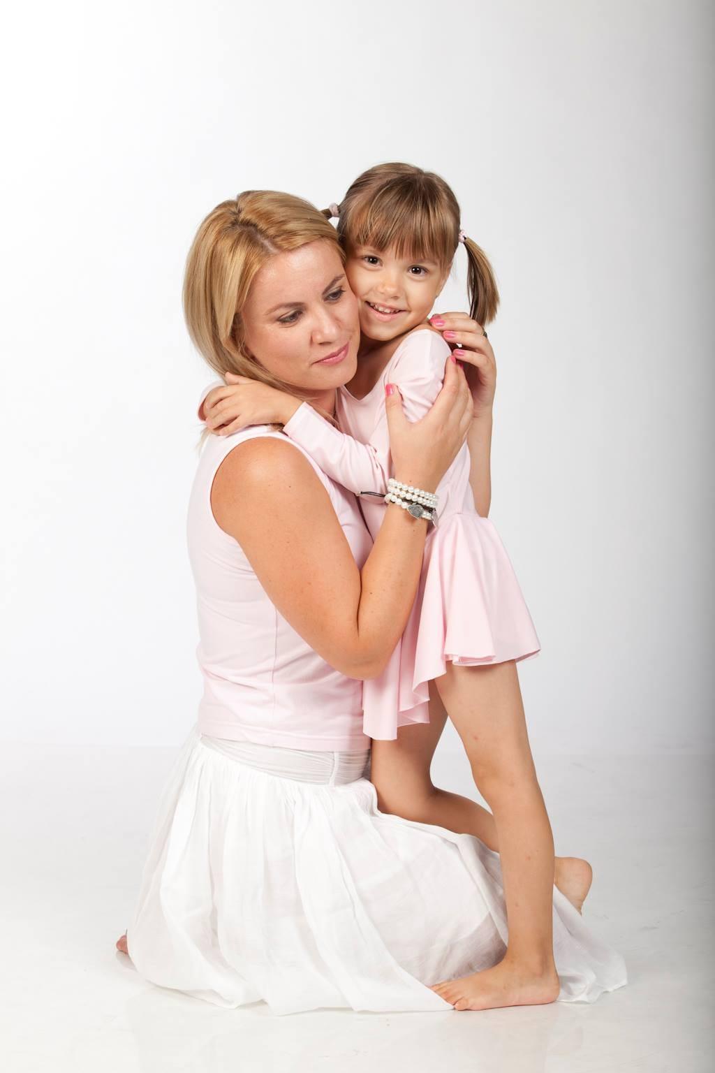De ce este important să ne îmbrățisăm copiii? 1