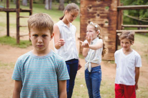 Read more about the article 5 metode prin care să-l ajuți pe copil să treacă peste respingere