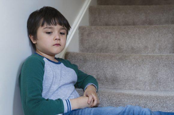 Read more about the article 5 sfaturi pentru a ajuta copilul să treacă peste anxietatea de separare