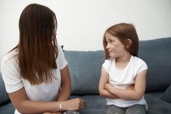 Read more about the article Ce sunt consecințele naturale și ce pot învăța copiii din ele?