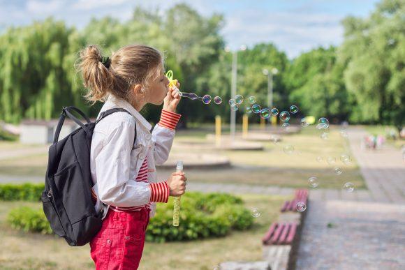 Read more about the article Cum se dezvoltă copilul de 9 ani