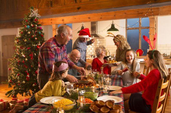 Read more about the article De ce sunt importante tradițiile familiale și cum le creăm?