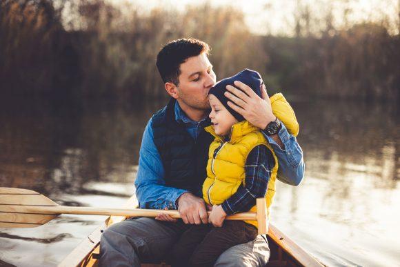 Cum reacționezi atunci când copilul tău caută atenția într-un fel nepotrivit? 7