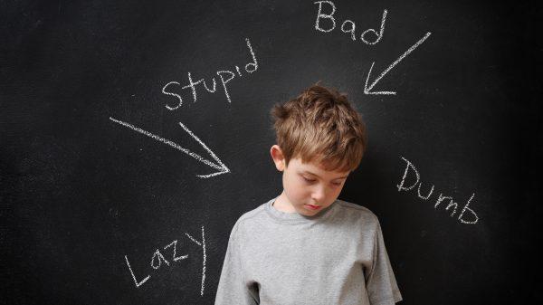 6 modalități prin care îl poți ajuta pe copilul tău să se debaraseze de etichetele care i-au fost puse 2