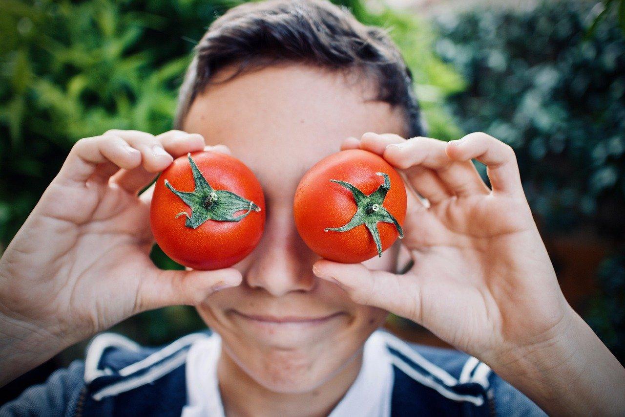 5 modalități prin care îți poți încuraja adolescentul să aibă o alimentație sănătoasă 1