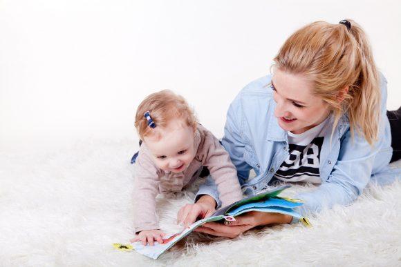 """Read more about the article Cum să spui """"te iubesc"""" copilului tău?"""
