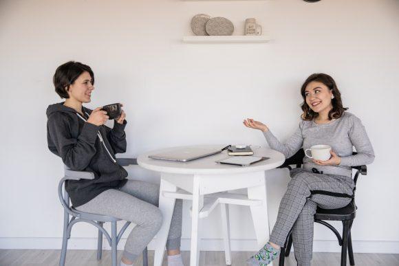 Socializarea poate fi mereu îmbunătățită. 9 modalități prin care adolescenții pot face asta 2