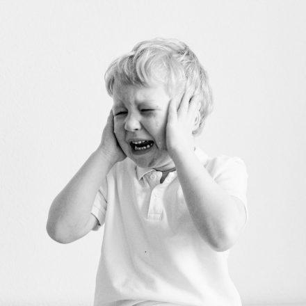 Read more about the article Cele 3 tipuri de furie a copilului și cum le poți gestiona