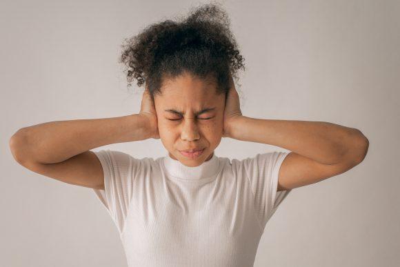 5 moduri prin care îți poți ajuta adolescentul să își combată starea de anxietate 2