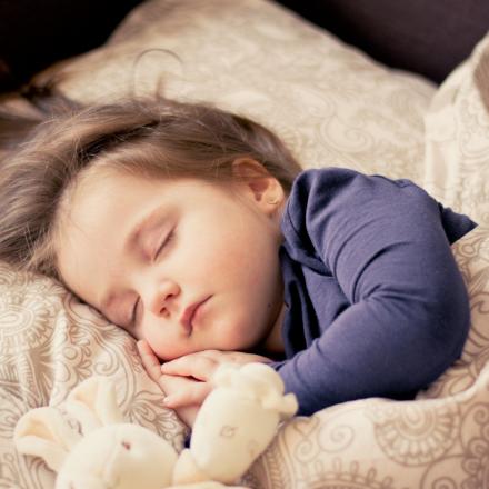 Read more about the article 7 sfaturi pentru somnul de calitate al copilului tău