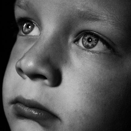 Read more about the article De ce este importantă validarea emoțiilor copilului tău